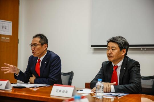 佳能(中国)执行副总裁 小川一登、佳能(中国)副总裁 石井俊幸