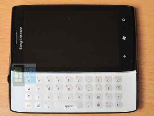 索尼爱立信早期WP7系统原型机现身eBay拍卖