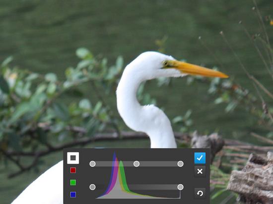 Photoshop触摸版试用 功能强大细节需完善