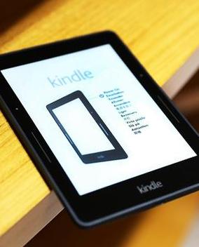 Kindle Voyage���а����� ��Ļ����۸���