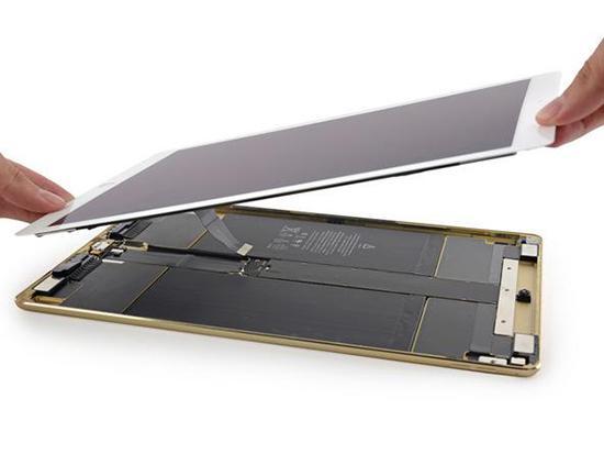 iPad Pro拆解:2块电池占据大部分内部空间