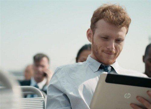 疑似惠普Slate 8平板在最新广告片出镜
