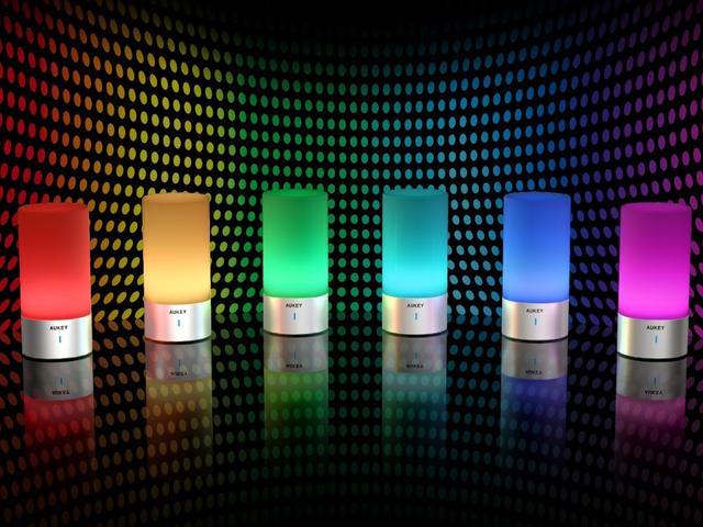 能当闹钟能造气氛 这几个智能台灯是居家必备