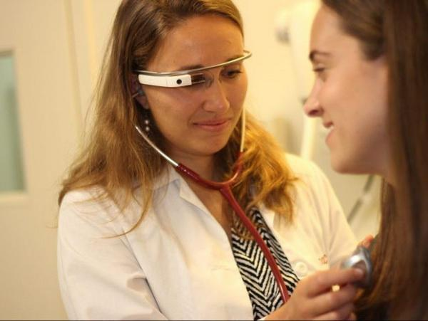 谷歌眼镜还没玩完 在医疗领域很受欢迎