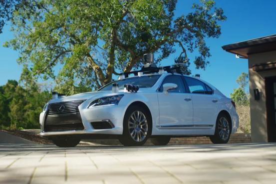 丰田出手了 投资数十亿美元研发AI无人驾驶技术