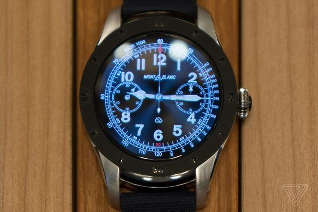 万宝龙Summit智能手表体验 体形过于笨重
