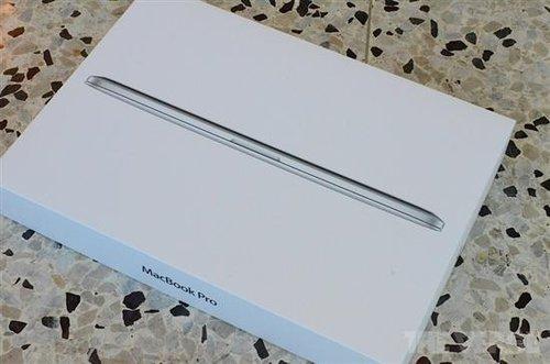 新MacBook Pro开箱对比 厚度直逼Air