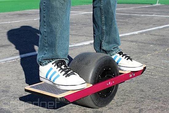 单轮电动滑板车现身 充电一次最多可跑1000米