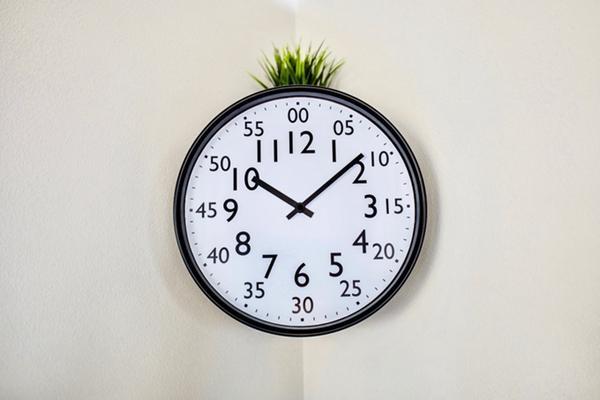 小孩子看不懂时间?来个更易懂的挂钟吧
