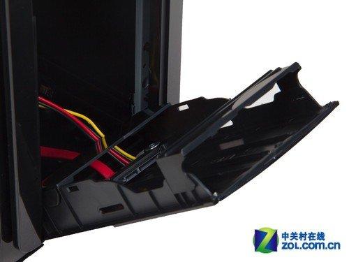 在内部结构布局方面,绝尘侠x8电源上置,搜罗所有的micro atx/atx板型.