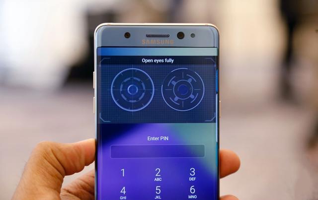 指纹识别已经被淘汰?三星手机将逐渐取消指纹