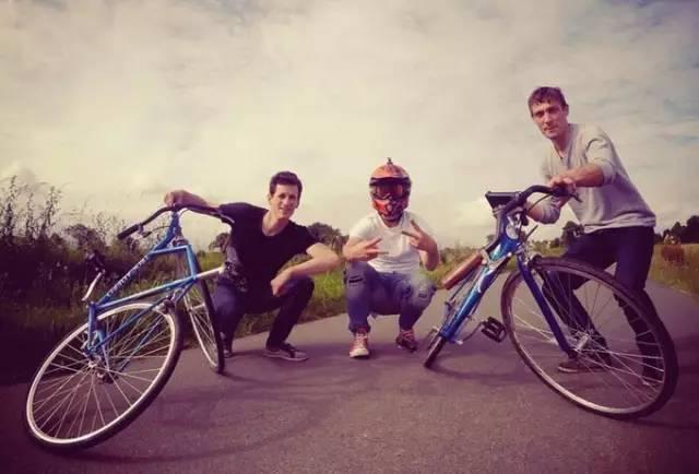 """一辆能锻炼你腰腹的""""扭腰""""自行车!"""