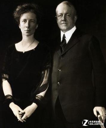 弗兰克·吉尔布雷斯与他的妻子