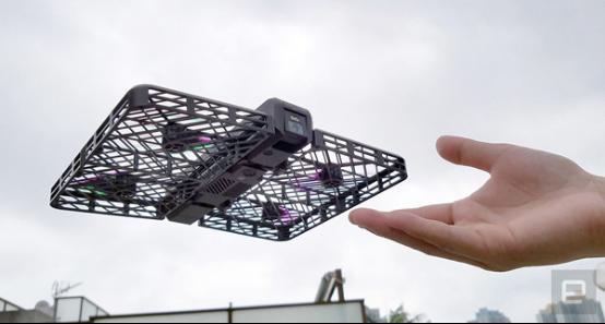 中国制造很强大 可折叠的自动跟拍无人机海外上市