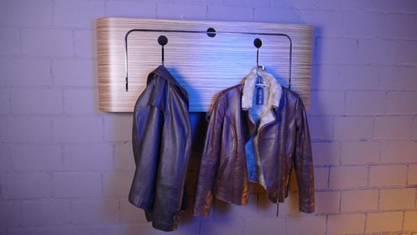 设计超带感的壁挂式衣柜 立式衣架可以下岗了