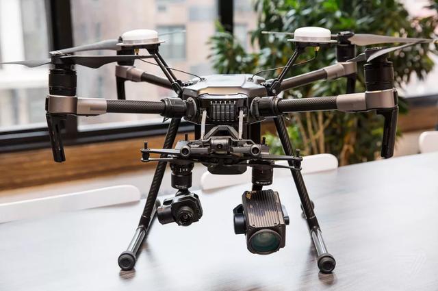 大疆发布经纬M200无人机 可同时携带3枚摄像头