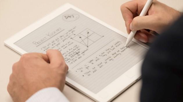 这款水墨屏平板近乎普通纸笔 画个素描都小意思