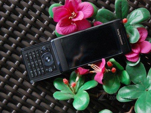 滑盖多媒体手机 索尼爱立信U10i促销