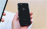 iPhone 8后盖维修比屏幕还贵