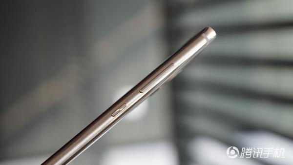 华为Mate 9 Pro评测:屏幕曲率低 徕卡双摄强悍