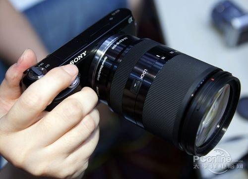 180度自拍屏 索尼微单NEX-F3现场试用