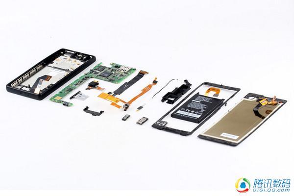 习大大同款双屏手机Yotaphone拆解:中国制造