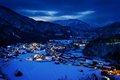 黄昏时的日本小山村