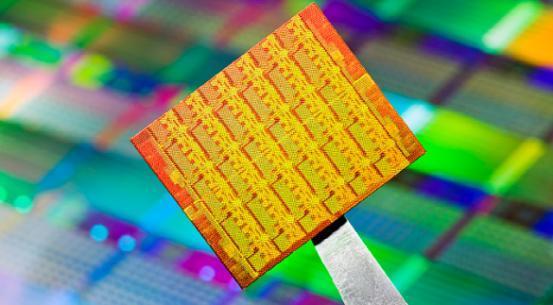 英特尔10nm芯片2017年发布 摩尔定律放缓