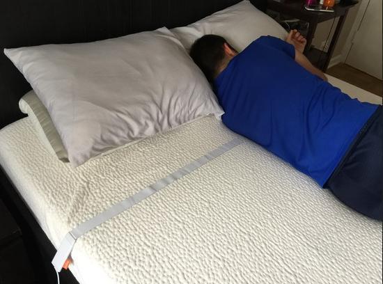 不用戴身上很方便 Beddit智能睡眠监测带体验