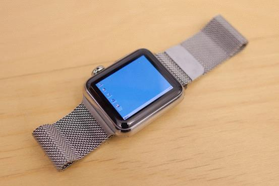 达人在苹果表上运行Windows系统 开机都要1小时足交