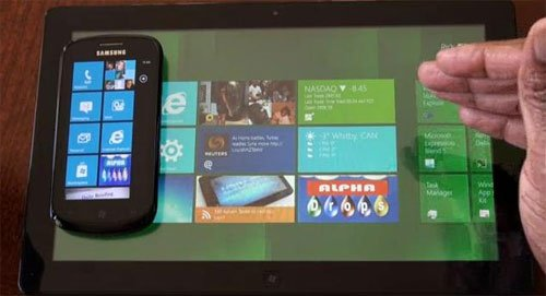 Windows 8初现端倪 跨界兼容WP手机应用
