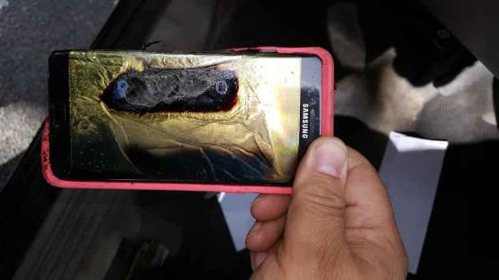 Note 7又着火了 这次居然是召回之后的新产品