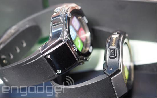 首款带石英时钟功能的智能手表 配触摸屏