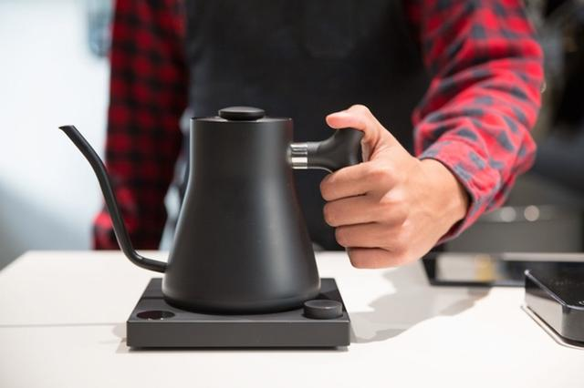 这只电水壶不仅仅是颜值高 简直是泡咖啡神器