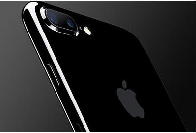 """大学生买""""新""""iPhone 发现被充电300多次"""