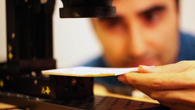 不打开封面就能看书 MIT相机新技术太溜了