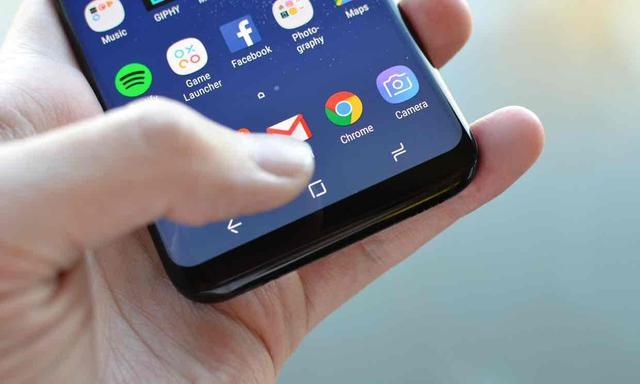 外媒评测三星S8 提高了智能手机的设计门槛