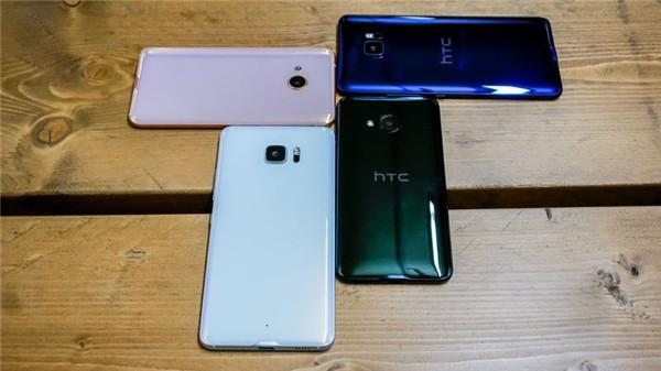 HTC U Ultra外媒评测汇总 外观华丽配主副屏