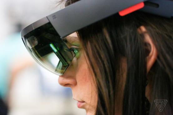 能超清捕捉HoloLens头显所见?微软这宣传满分