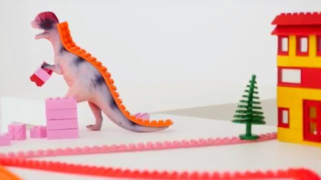 让乐高飞起来 这个底座能让你的乐高玩具上墙
