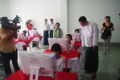 """""""胞波情深""""持续开展海尔电脑大获缅甸师生欢迎"""