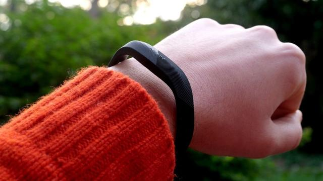 你没看错Fitbit Flex 2手环爆炸了!公司正在调查
