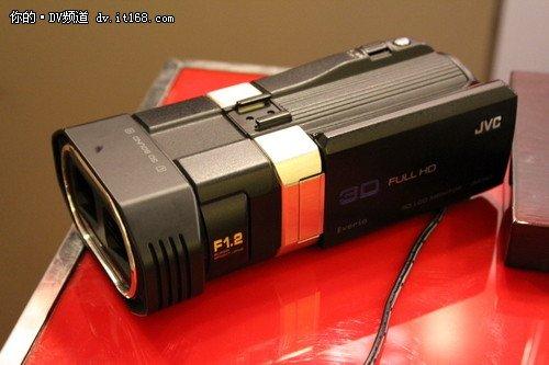 JVC挑战暗光摄像 市售大光圈DV推荐