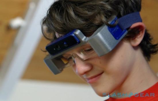 MetaPro智能眼镜售价凭啥是谷歌眼镜