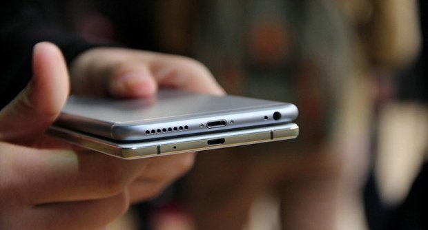 ˭���ᱡ��Oppo R5�Ա�iPhone 6