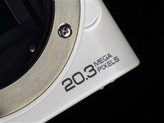 能发微博的智能微单 三星NX1000评测
