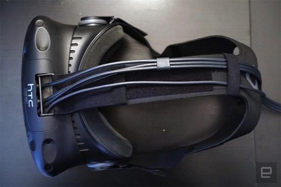 HTC Vive Pre初次体验 佩戴舒服沉浸感强
