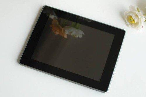 它市售平板提升25%以上;512MDDR3缓存、独立的Mali400显示芯片