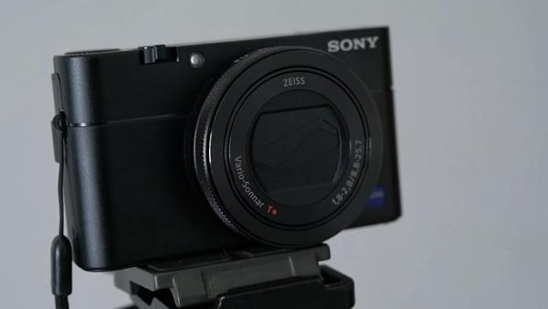 外媒上手索尼RX 100V 大底数码相机还能怎么做?