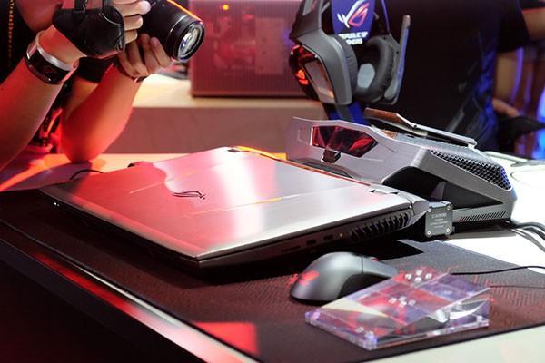 游戏笔记本配置不行?给你双1080显卡够吗